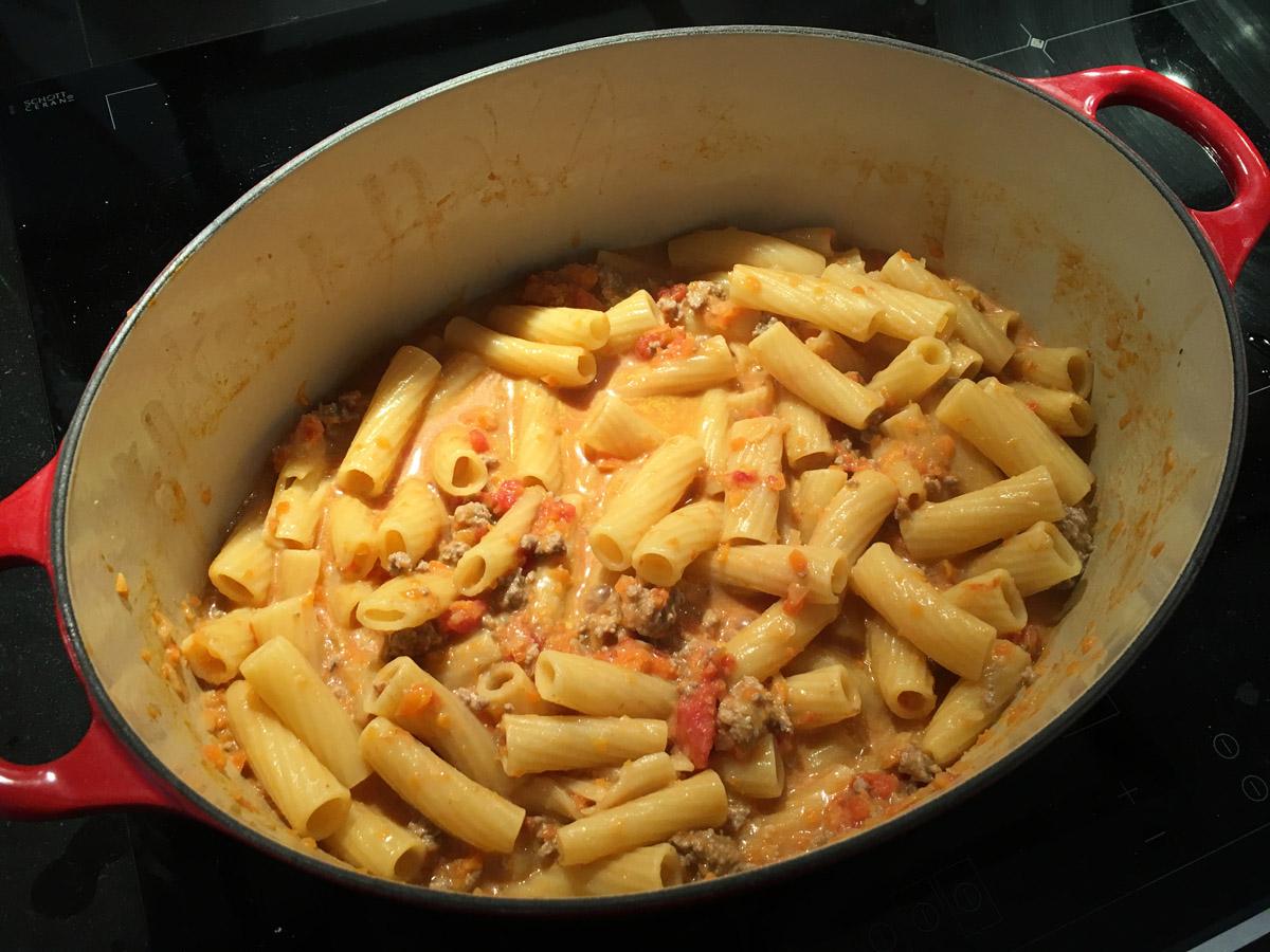 Tortiglione au boeuf et aux tomates