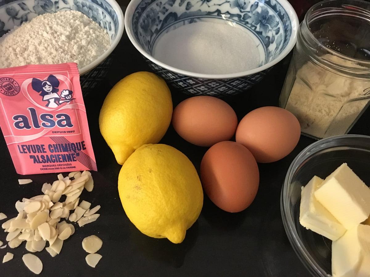 Ingrédients pour cake moelleux au citron et amandes