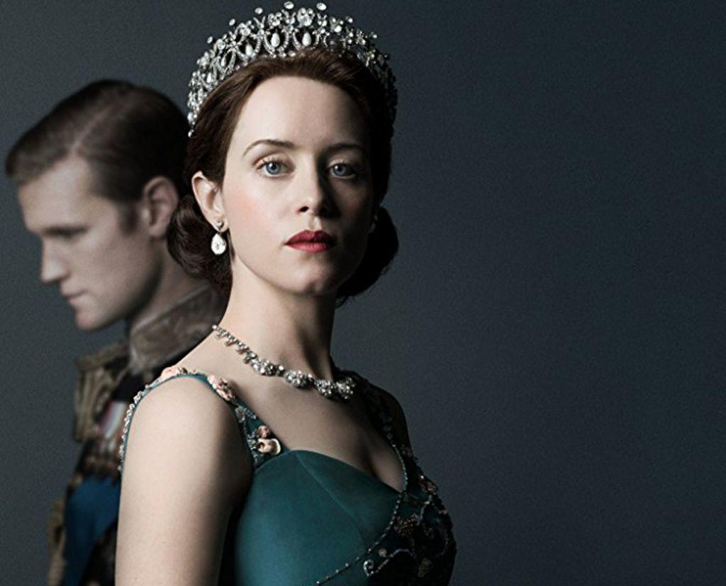the crown série télé sur la reine d'angleterre